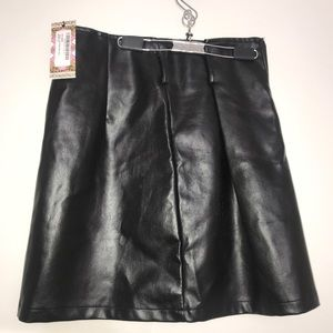 NWT Boohoo Black Leather Belted Zip Up Mini Skirt